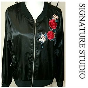 Signature Studio Bomber Jacket With Roses XL